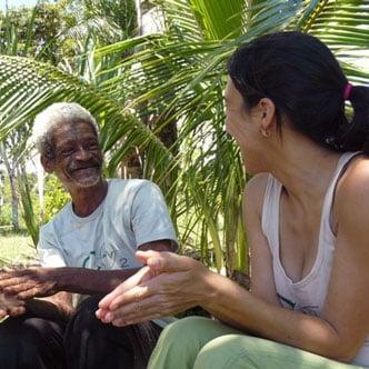 Homem e mulher voluntários do projeto Messias da Vida