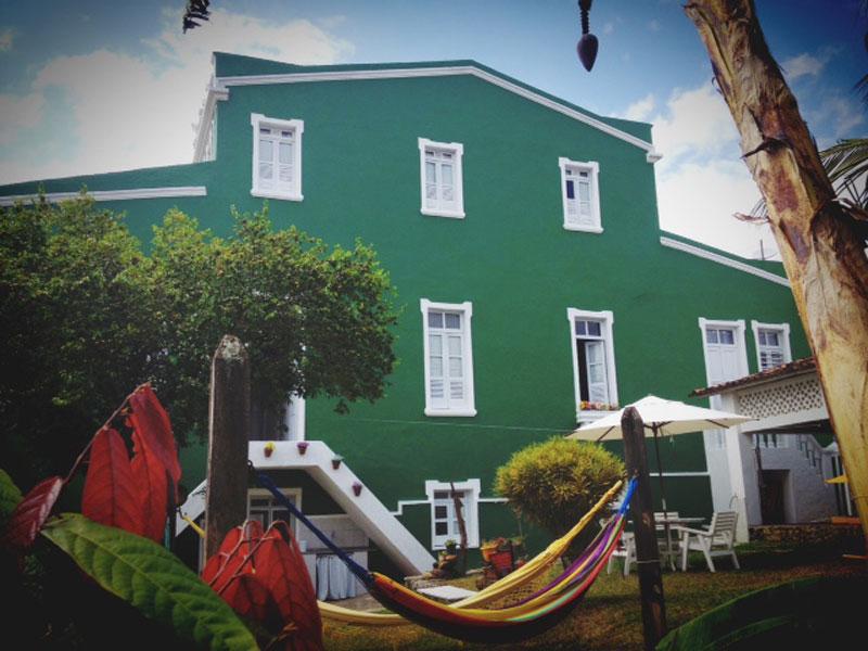 Área externa do hostel Casarão Verde em Itacaré